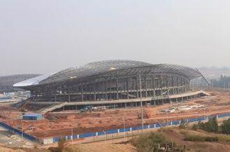 中国 OEM の鉄骨構造、プレハブの管の金属のトラス建物およびスポーツの競技場 サプライヤー