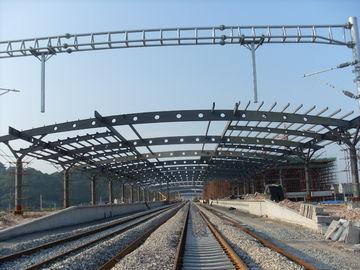 駅の構造金属のトラス建物、2-4 の層のさびない絵画